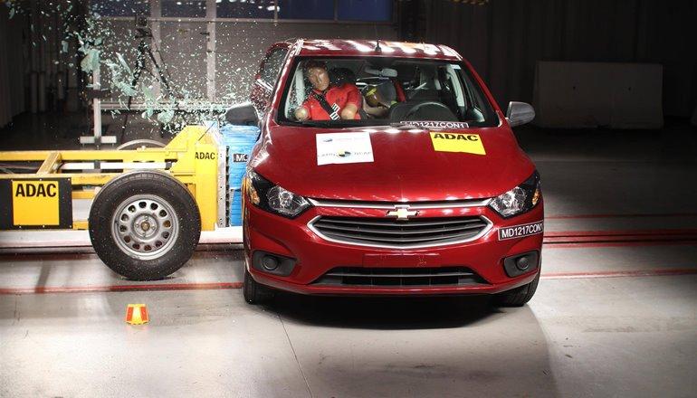 Carro no Brasil terá 13 novos itens obrigatórios de segurança; veja quais