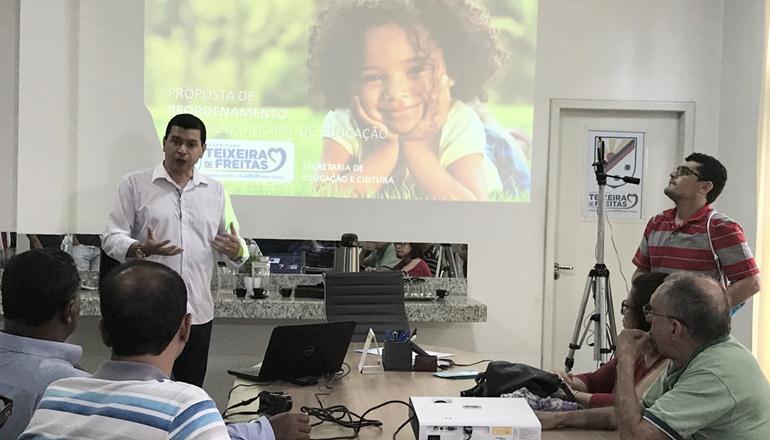 Economia na Educação poderá chegar a 1,2 milhões após reordenamento da Rede Escolar, afirma Secretário de Teixeira
