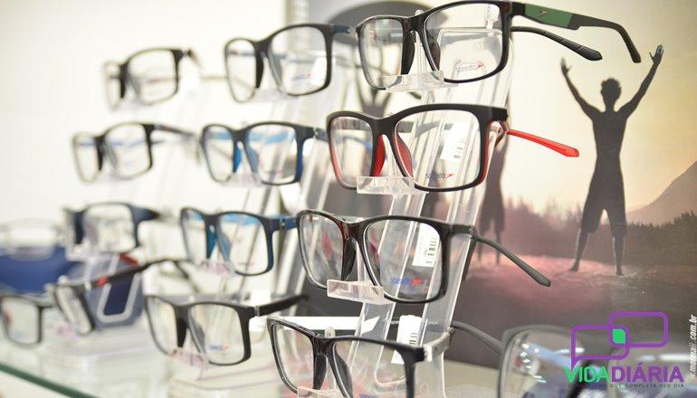 ... por exemplo, as lentes transition HB custam, em média, entre R  600,00  e R  700,00 no mercado, ou seja, Óticas Diniz trazendo qualidade e ... dedf122a66