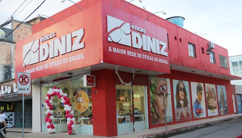Vídeo: Grande promoção de até 70% de desconto nas Óticas Diniz