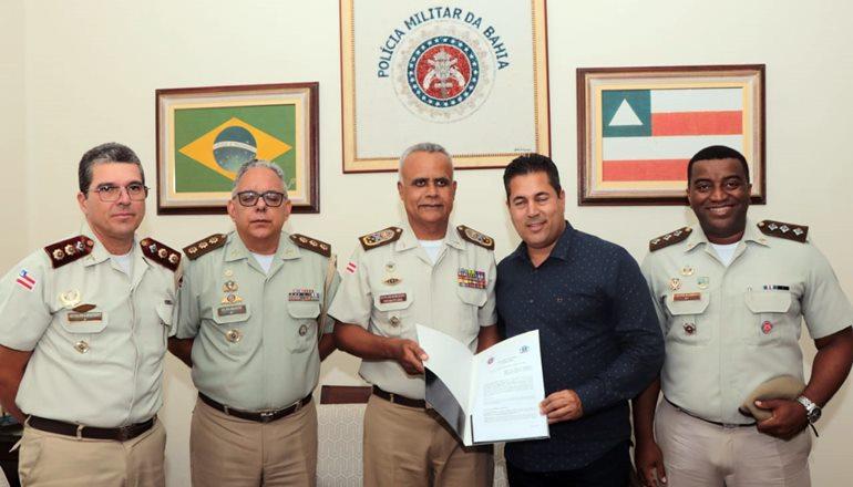 Após Caravelas, Alcobaça também assina Termo de Acordo para implantação do Sistema de Ensino Militar no município