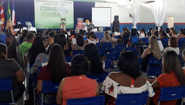 Ibirapuã realiza a 3ª Conferência Municipal de Educação e prepara os profissionais para o ano letivo