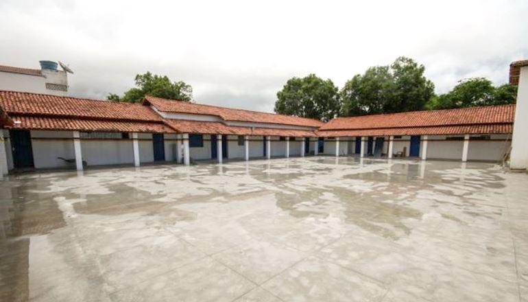 Prefeitura Municipal de Teixeira informa que, a partir desta terça-feira (29), as aulas estarão suspensas nas escolas
