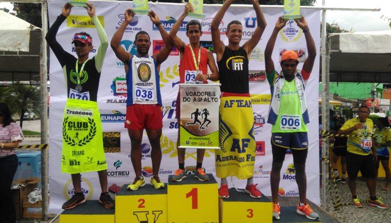 Faro de campeão: atleta teixeirense vence a 1ª Corrida Solidária em Eunápolis; o evento foi um grande sucesso