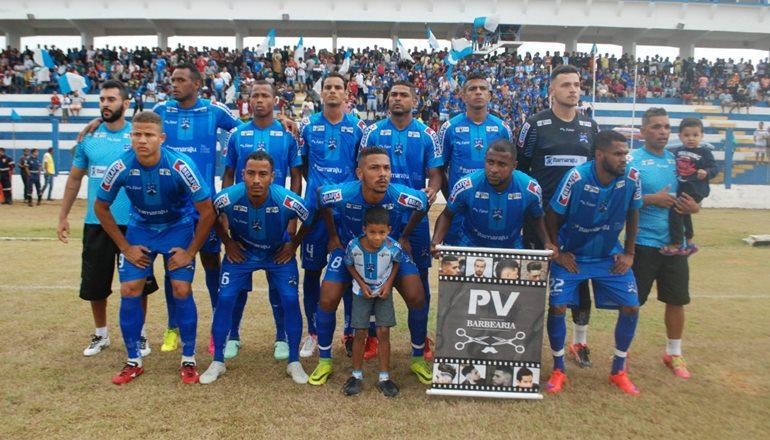 Seleção de Itamaraju faz uma bela partida diante de sua torcida e se classifica para as oitavas de finais