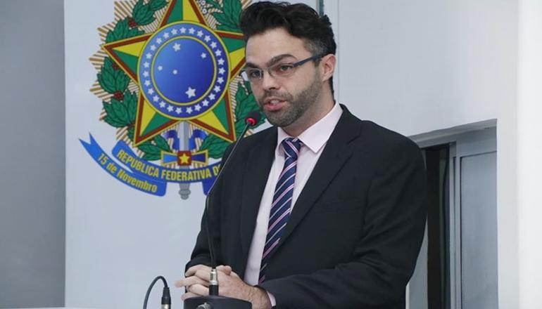 Vereador Jonathan Molar propõe a proibição da Prefeitura adquirir ou alugar bens de pessoas em cargos eletivos ou familiares