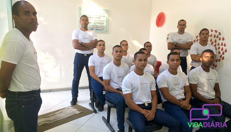 Alunos do CFSD PM do 13º BEIC doam sangue na HEMOBA de Teixeira de Freitas