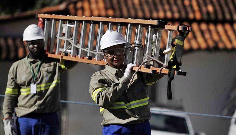 Coelba informa que vários bairros ficarão sem energia em Teixeira; Confira a lista