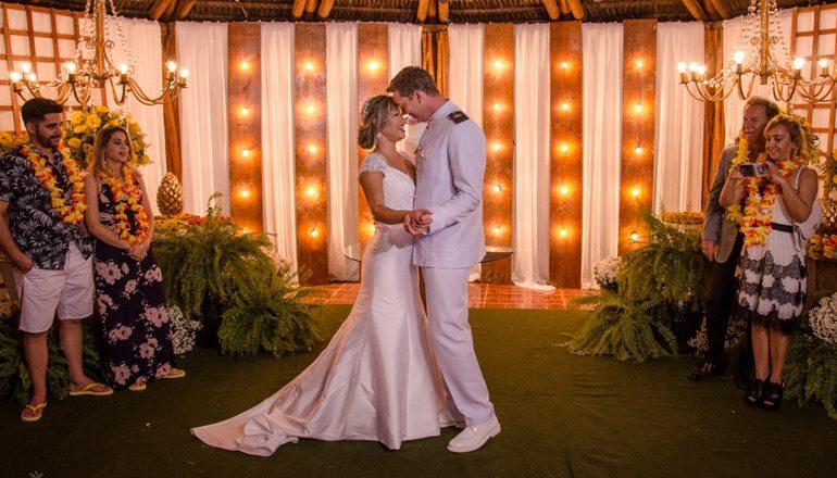Luiz Augusto e Gisele Ellen se casam em cerimônia impecável prestigiada por familiares e amigos