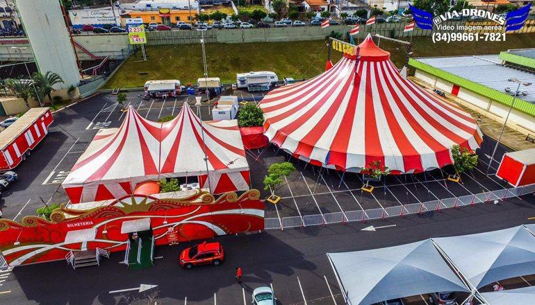 Aproveite os dois últimos dias do Circo Maximus em Teixeira; crianças com até 10 anos, acompanhada de um adulto pagante, terá entrada gratuita