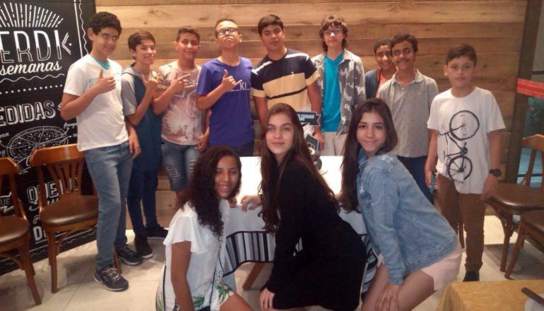 Com muita alegria e diversão, Rogério Mororó Filho comemora os seus 14 anos