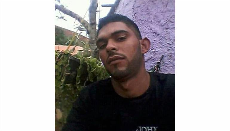 Jovem é morto a facadas após discussão em festa de aniversário no Castelinho