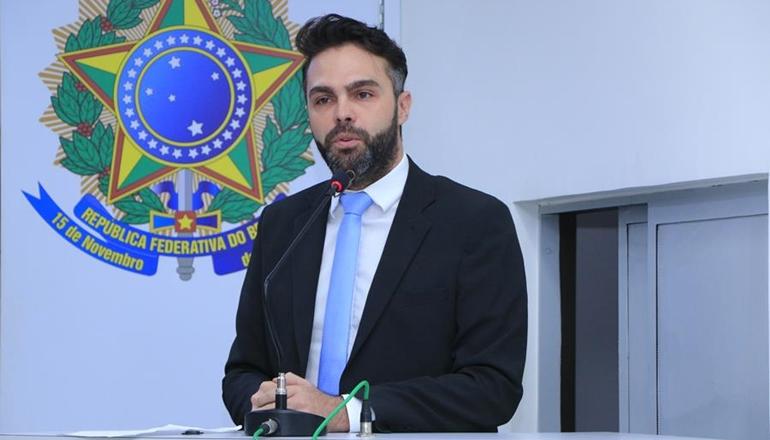 Jonathan Molar requer da Prefeitura que seja retirada dos mutuários de casas populares cobrança do IPTU