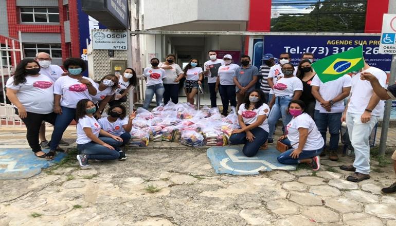 Ação social mobiliza voluntários na entrega de mais de uma tonelada de alimentos em Teixeira de Freitas