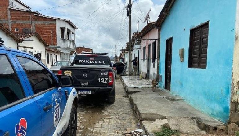 Unum Corpus realiza 58 prisões e apreende armas e drogas; um suspeito morreu