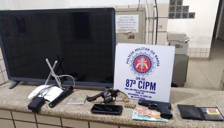 Veículo roubado em Itanhém é interceptado pela PM em Teixeira; Suspeitos estavam armados