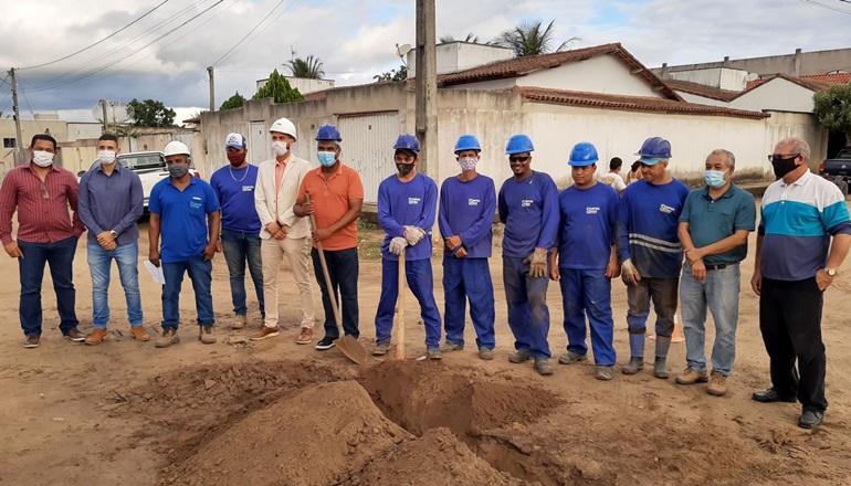 Prefeitura de Mucuri e EMBASA lançam obras de esgotamento sanitário do bairro Cidade Nova em Itabatã