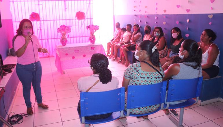 PSF do bairro Canaã realiza ação alusiva ao Outubro Rosa em Itamaraju