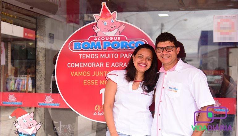 Vídeo: É festa no Açougue Bom Porco; 11 anos de tradição em Teixeira de Freitas