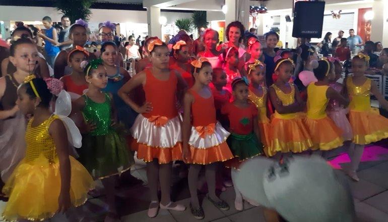 ONG Paspas finaliza atividades no ano de 2018 com um lindo evento no Shopping Teixeira Mall com suas bailarinas