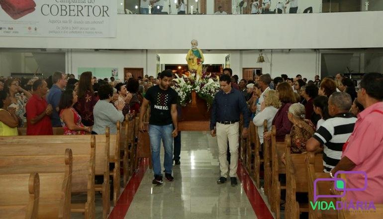 Desde o dia 20 de Junho o novenário foi iniciado, meditando todos os dias  sobre o tema  O Primado de Pedro. Diversos sacerdotes passaram pela  Catedral, ... f99b049580