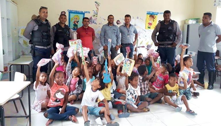 """A empresa Security promove o projeto """"Faça uma criança feliz"""" nos distritos de São Bernardo e Rancho Alegre"""